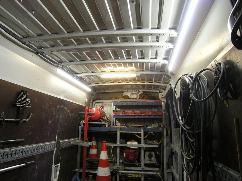 ledalulichtleisten in 12 v oder in 24 v f r transporterlader ume beleuchtung led werkstatt. Black Bedroom Furniture Sets. Home Design Ideas